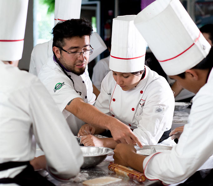 Colegio culinario 1 oct 4pm-8778-crop-u30222