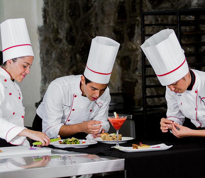 Colegio culinario-1915-crop-u31099
