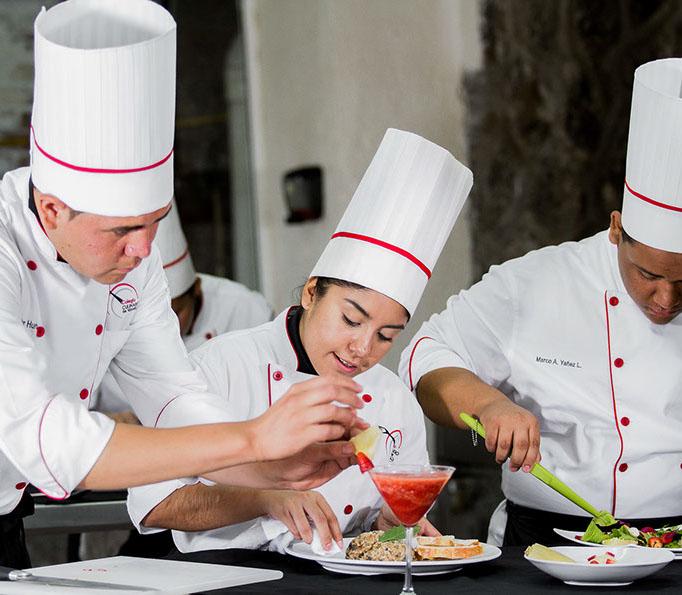 Colegio culinario-1954-crop-u31119