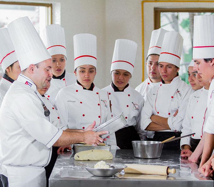 Colegio culinario-2010-crop-u31139