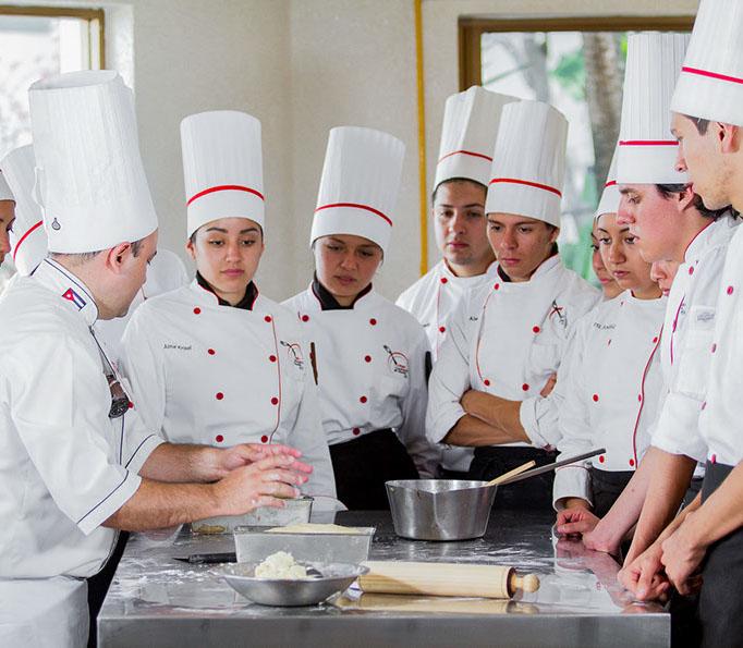 Colegio culinario-2020-crop-u31159